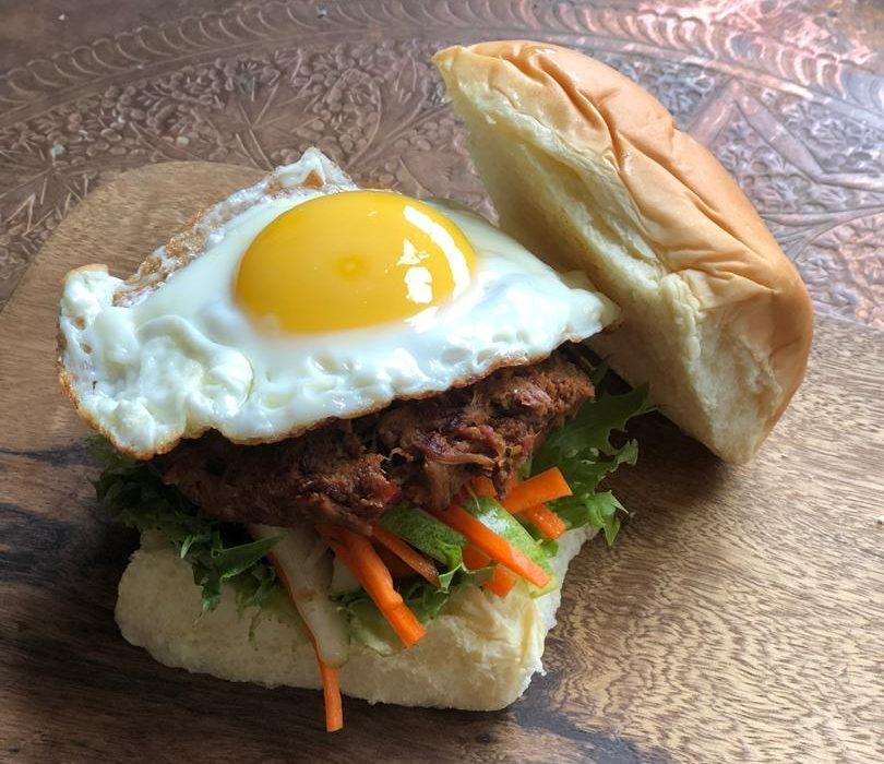 Leftover Rendang Burger