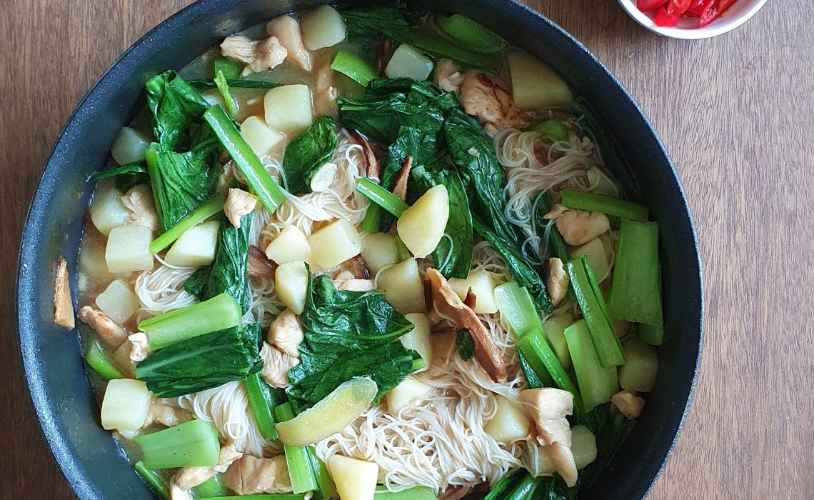 Chicken Noodle in Oyster Sauce